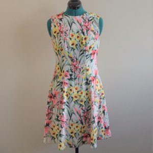 Like New! A-Line Floral Spring Sleeveless Dress